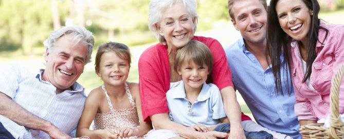 Caregivers in Camden CT: Perfect Picnics with Elderly Loved Ones