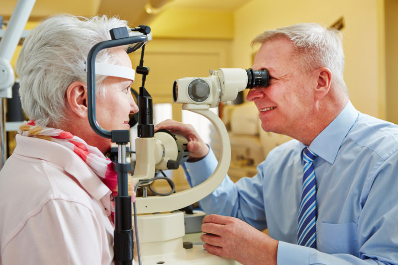 Senior Care in Wallingford CT: How Can You Spot Eye Injuries in Your Aging Adult?